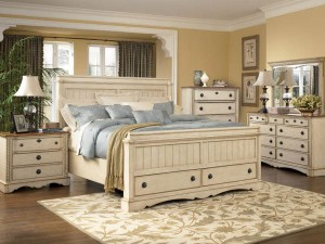 Distressed bedroom furniture white